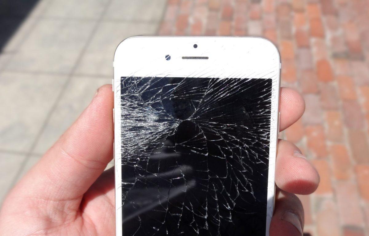 iPhone Scherm gebarsten - Telefoon Reparatie Delft